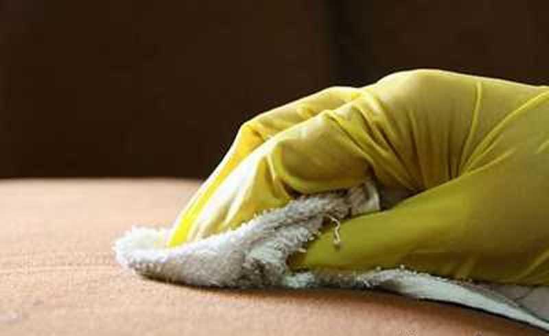 پاک کردن لکه های روی لباس