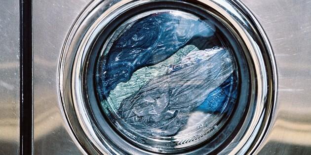 نحوه صحیح شستن شلوار جین و شلوار لی با لباسشویی
