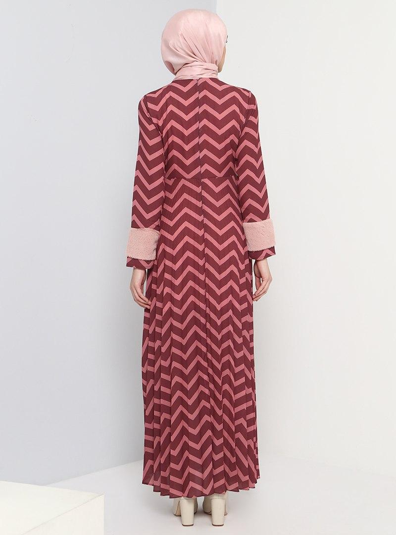 kol-ucu-pelus-detayli-piliseli-elbise-gul-kurusu-benin-503908-10